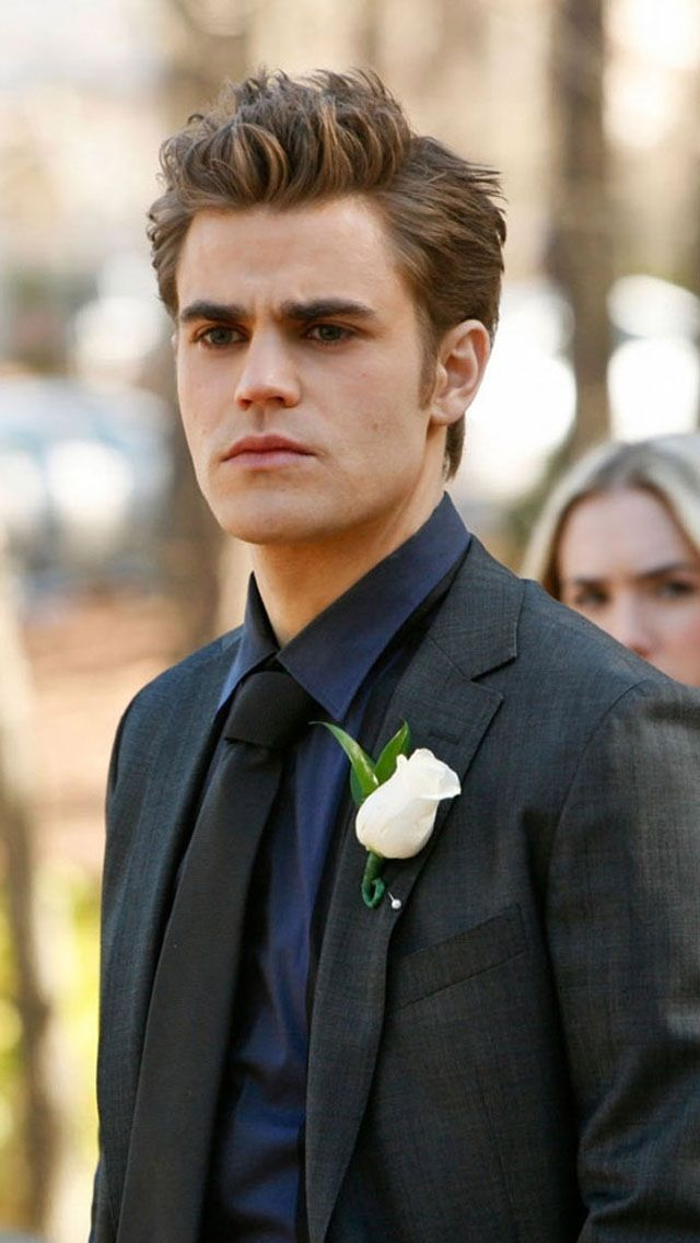 Vampire Diaries' Stefan....He is SOOO incredibly good looking....HOW IS IT POSSSIBLEE?!!