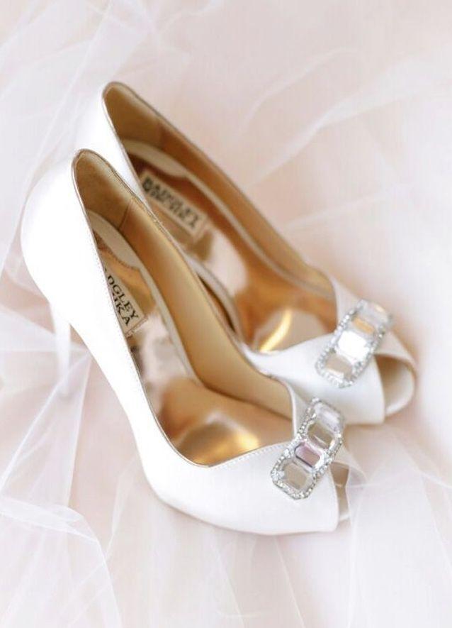 Featured Photographer: Annabella Charles Photography, Second Shooter: Sara Beth Raab; Wedding shoes idea.