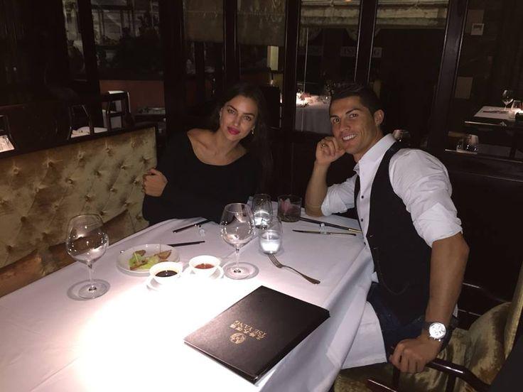 "#CristianoRonaldo janta com #IrinaShayk: ""Dinner with tigriski."""