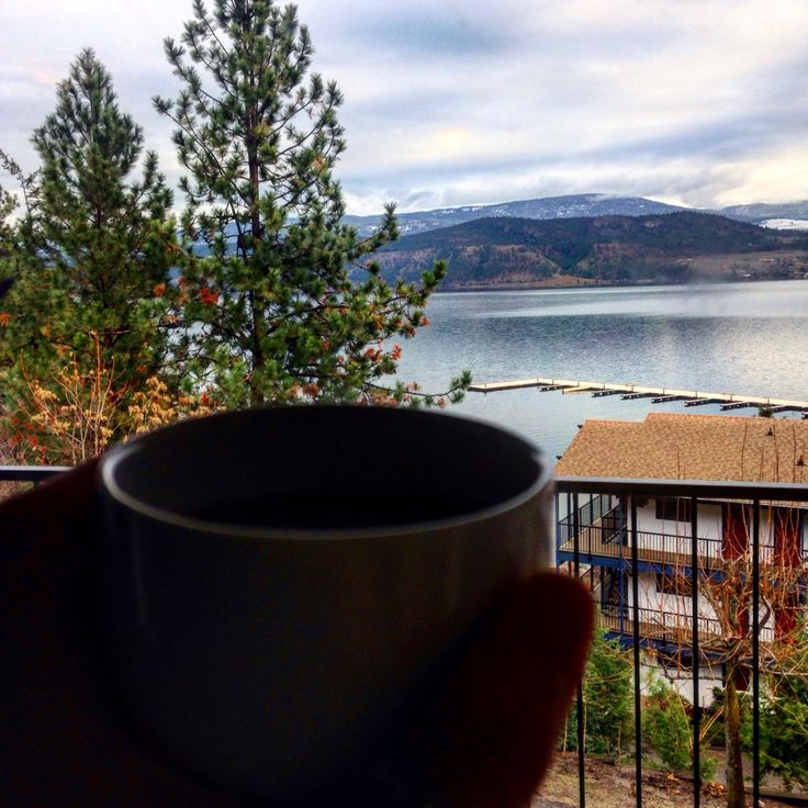 Morning coffees and crisp air  Photo by shanea Asling