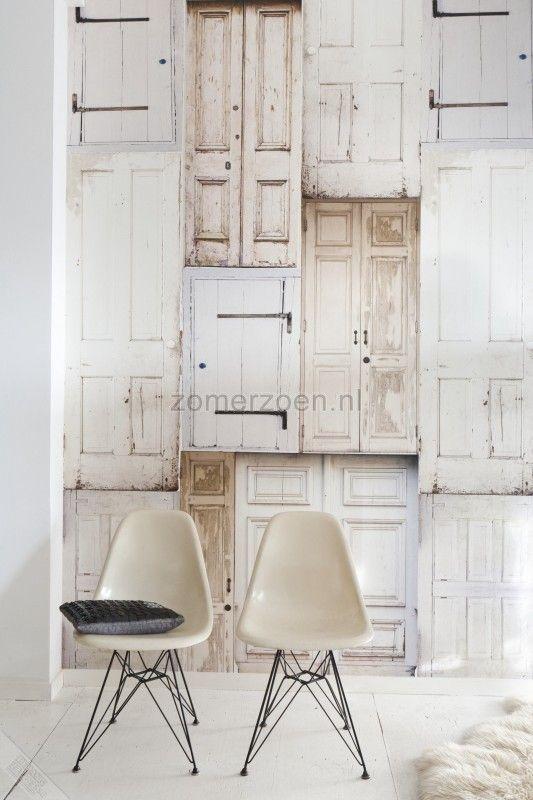 Onszelf behang met oude deuren oz3109. Kamer Y.
