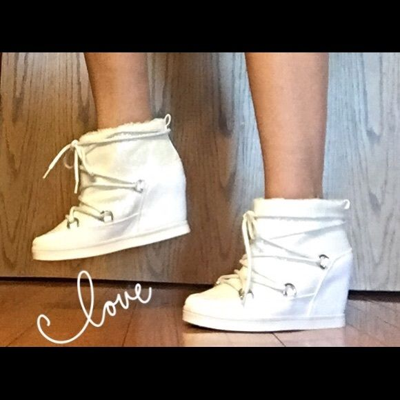 SALE Juicy Couture White Glitter Bootie 10 Ooh La Lawhite glitter ankle booties with 4 inch hidden wedge heel by Juicy Couture. Micro suede upper - faux fur lining - lace up closure - padded footbed. NEW Size 10 Juicy Couture Shoes Ankle Boots & Booties