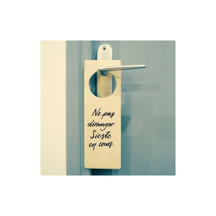 Plaque pour poign e de porte en bois ne pas d ranger sieste en cours lette - Bricolage accroche porte ...