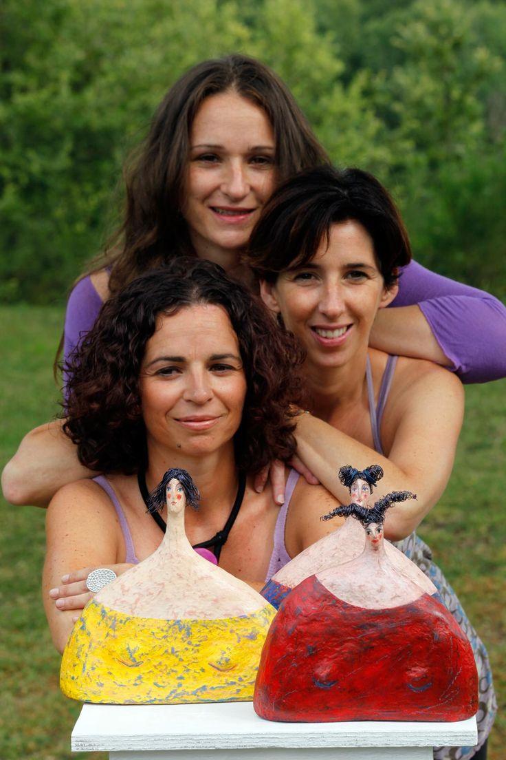 Carlotta Parisi - Le tre sorelle ritrattoRitratto di me e delle mie sorelle con sculture a noi dedicate.