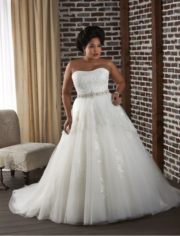Tulle and Lace Strapless Plus Size Wedding Dress with Beaded Belt RC0054 - Bridal Gowns - RainingBlossoms