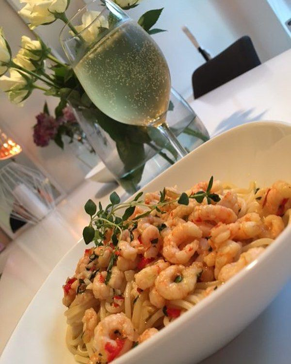 """102 gilla-markeringar, 2 kommentarer - Alla goda ting (@allagodatingse) på Instagram: """"Heta räkor med nykokt pasta! Mums! Recept: http://allagodating.se/2017/09/20/heta-rakor/"""""""