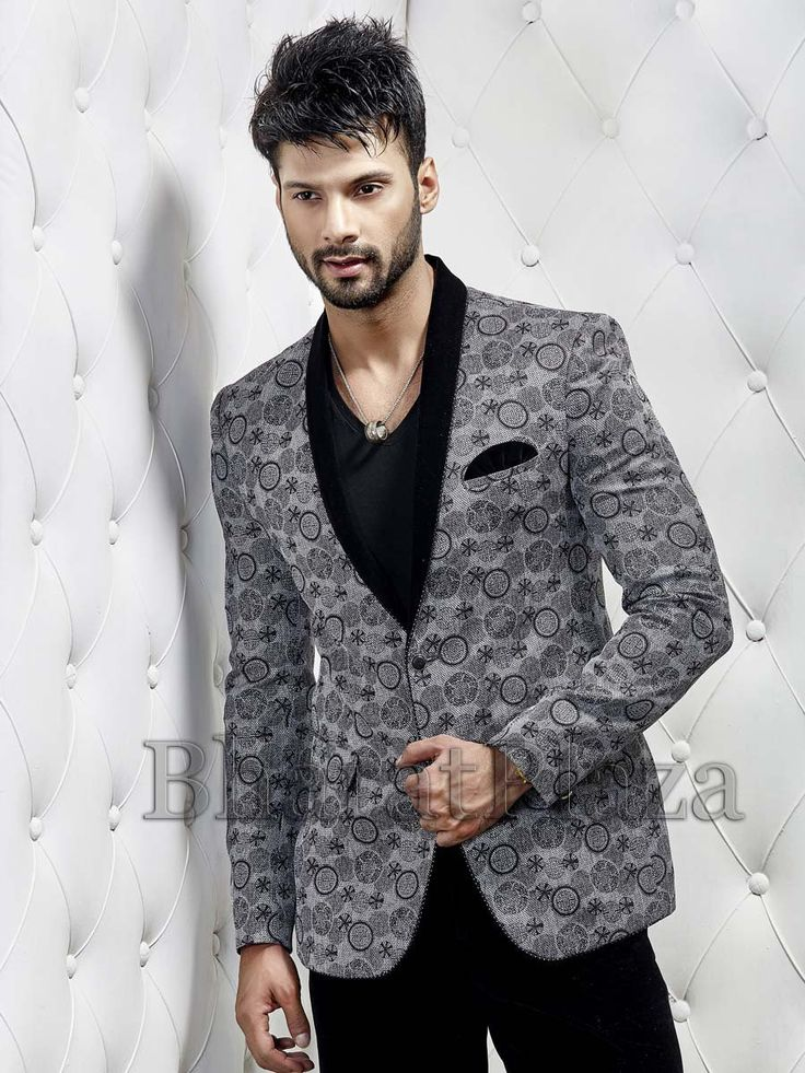 Glowing grey color printed jute blazer designed with shawl lapel and pocket flap. Item Code: TSJY1342L http://www.bharatplaza.com/new-arrivals/mens-blazer.html