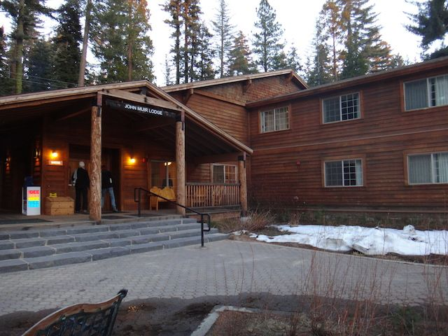 @Pit Stops for Kids also stopped by John Muir Lodge on her recent SeKi adventures! Check out her account of her experience.
