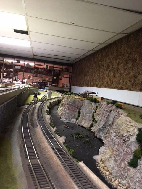 Image result for oo gauge model railways modeltrainhowto Model