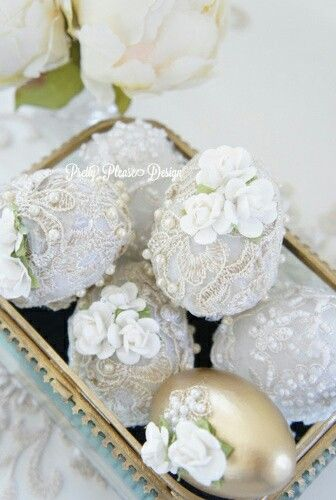 Decorated wedding eggs