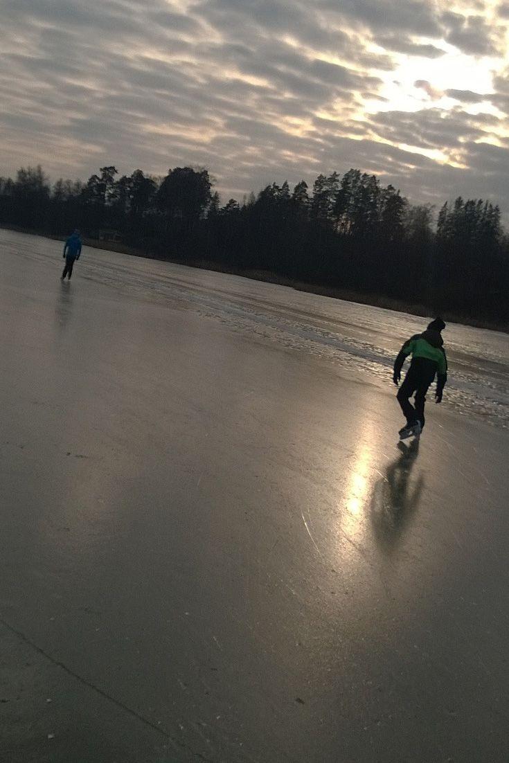 Ice skating at lake Tuusulanjärvi. #gustavelund #iceskating #finland #winterfun