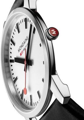 One of the biggest trends in the watch industry right now is more traditional, classical designs, inevitably simpler, slightly smaller and thinner. Mondaine is introducing a new Ultr-thin watch called Simply Elegant. Mondaine has always been a leader in design, using the instantly recognizable Swiss Railways Clock dial, emulating the time-honored design present in every Swiss train station.