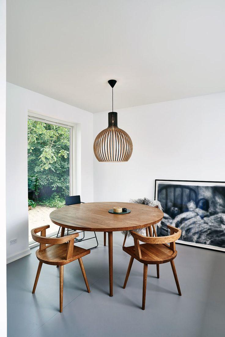 Bord og stoler i røkt eik fra Københavns Møbelsnedkeri