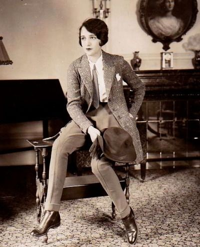 The always fashionable Bebe Daniels