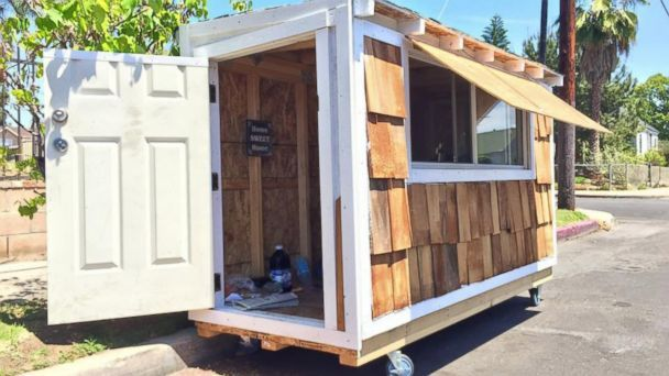 California Man Selflessly Builds Miniature House for Homeless Woman - ABC News
