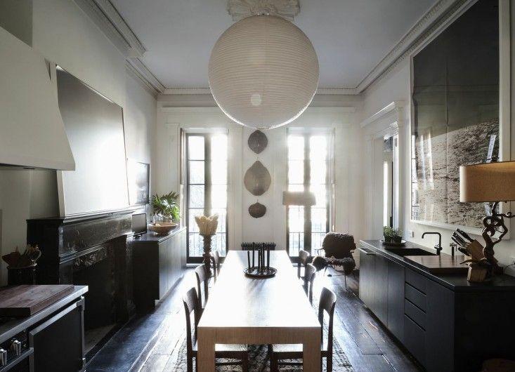 Julianne Moore, Oliver Freundlich, Formal Eat-in Kitchen | Remodelista