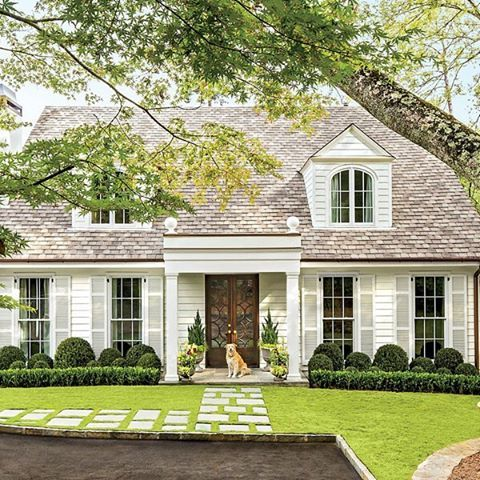 With upgrades like new windows and bluestone pavers, this home received a face-lift that has all the neighbors green with envy. : @laureywglenn #MySouthernLiving