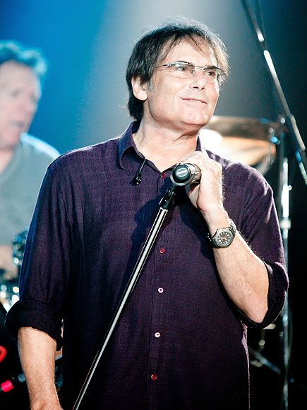 Jimi Jamison, Lead Singer of '80s Hitmakers Survivor, Dead at 63 http://www.people.com/article/jimi-jamison-survivor-lead-singer-dies-heart-attack