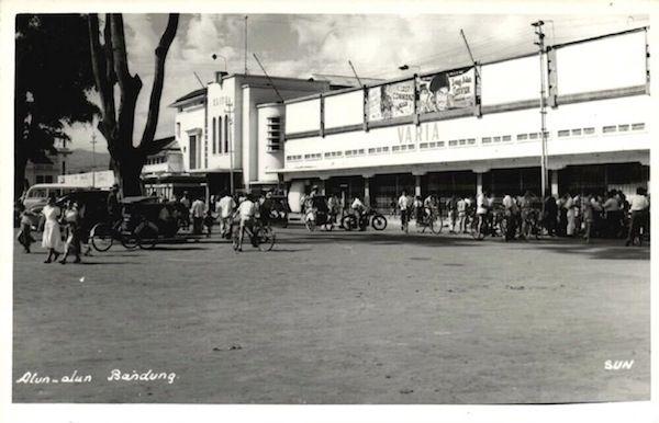 Alun Alun, Bandung - Circa 1960