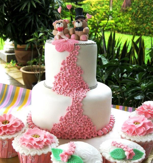 Springtime theme Wedding Cake