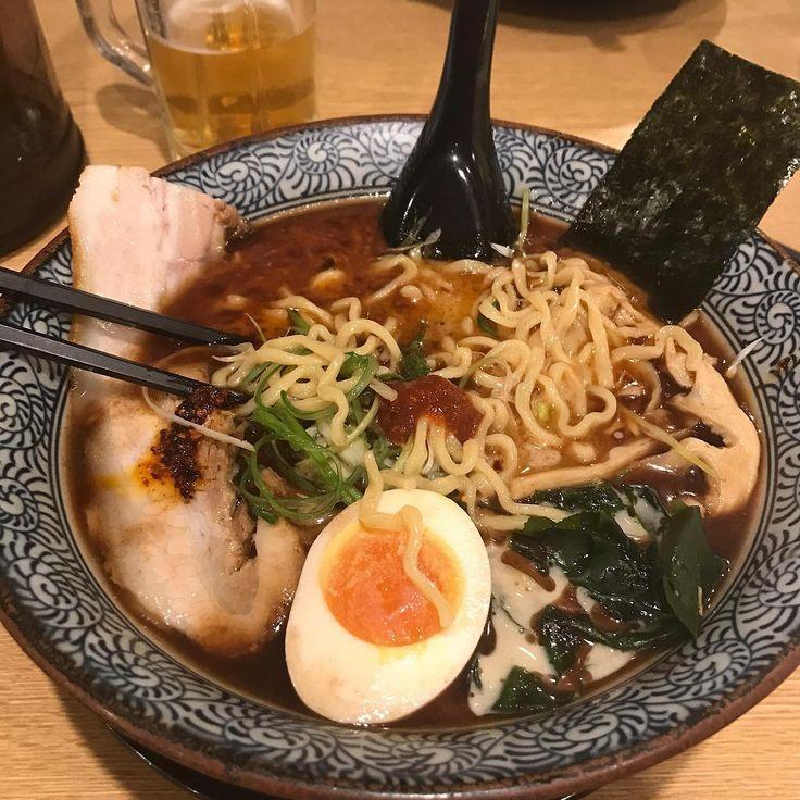 Fast Food Ramen in Shinjuku, Tokyo [OC] [3000x3000]