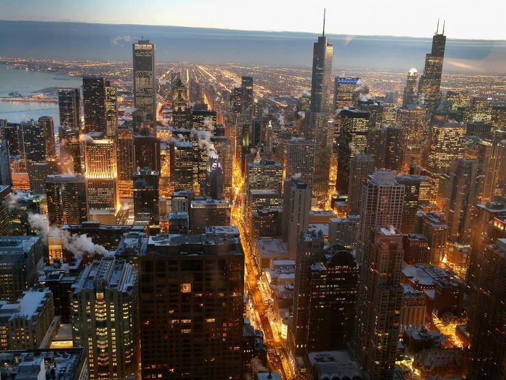 Woensdag 8 januari 2014: Damp stijgt op in een koud Chicago, waar de tempratuur eindelijk weer wat stijgt. Extreme kou houdt een groot deel van de Verenigde Staten al dagen in de greep.