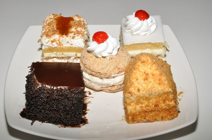 traditional sweets of Andros - ανδριώτικες πάστες δια χειρός Καλλιβρούση, visit us at www.kallivroussis.gr
