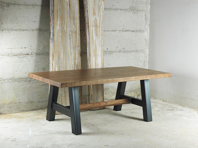 'CALIFORNIA' dining table