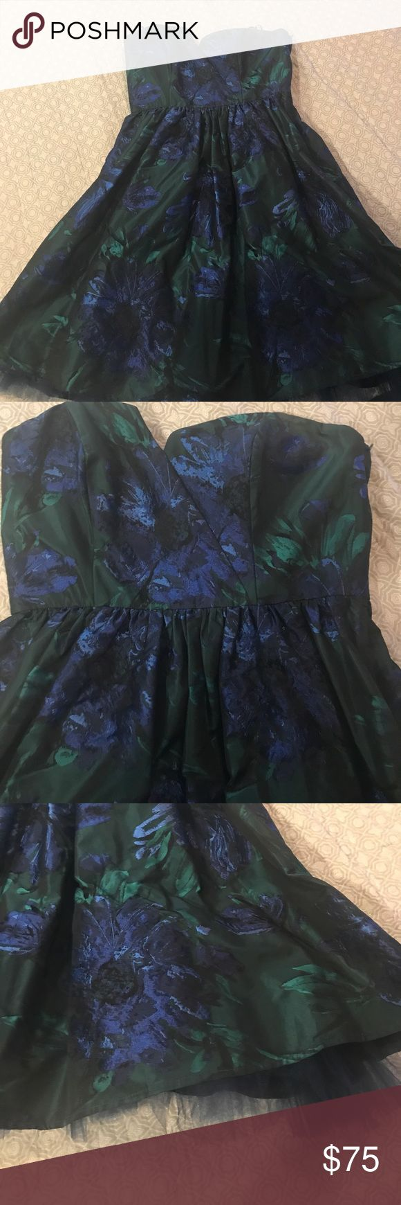 ABS by Alan Schwartz strapless party dress Strapless dress. Green and blue floral jacquard print. Tulle underlay adds slight volume to the skirt ABS Allen Schwartz Dresses Strapless