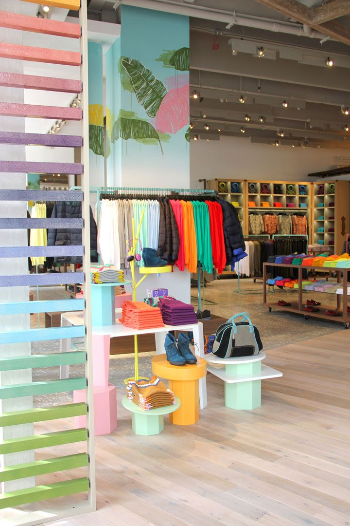 BEACH STORES! United Colors of Benetton flagship store, Miami   Florida