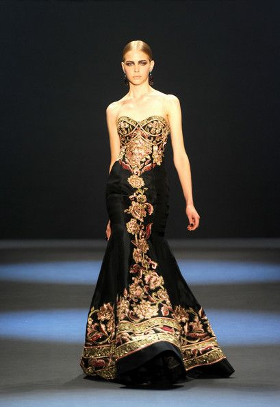 Naeem Khan Fall 2011 fashion show during Mercedes-Benz Fashion Week