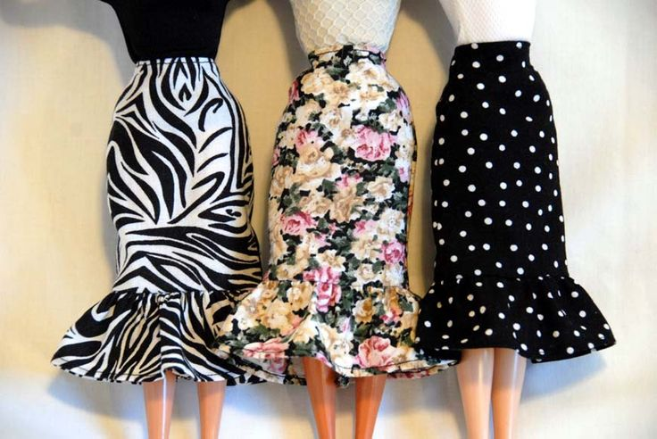 Barbie Clothes  Free Shipping on a Slim Skirt or a by tunafairy, $4.75