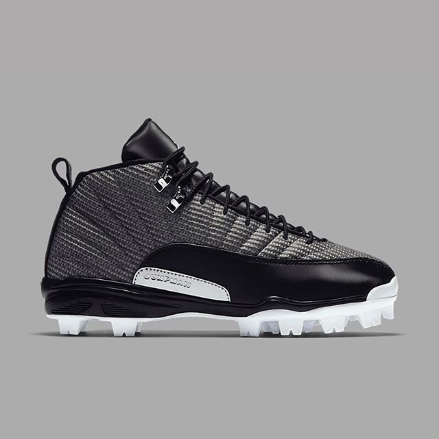 jordan kids black cat mid molded baseball cleat