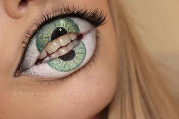 Eye-Lips | 21 Easy Hair And Makeup Ideas For Halloween