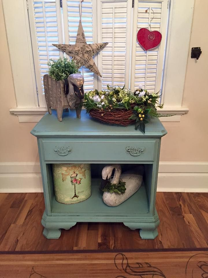 Laurie Stephens Mixes One Part Driftwood And One Part Dixie Belle Blue  Makes This Beautiful Color