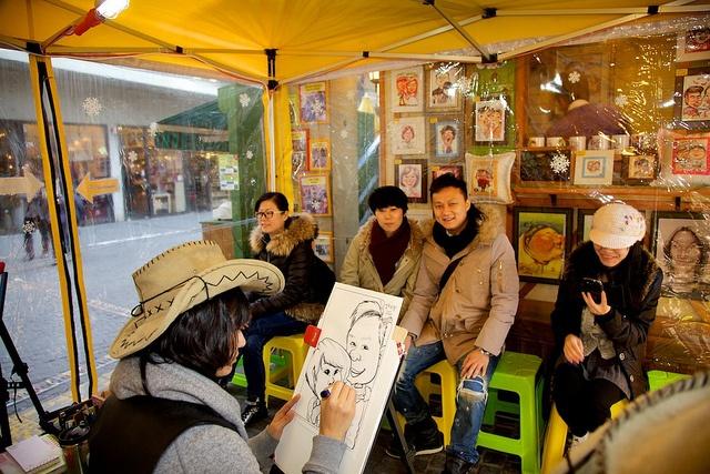 Seoul Tour - Insadong, ssamziegil by Korean Photographer, via Flickr