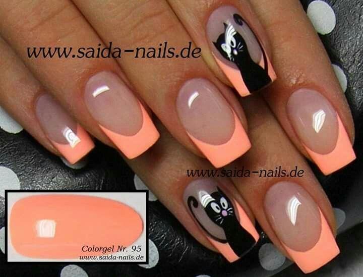 Saida nails cat