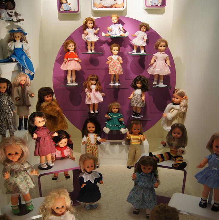 Des poupées anciennes - Musée du Jouet, Colmar, Alsace