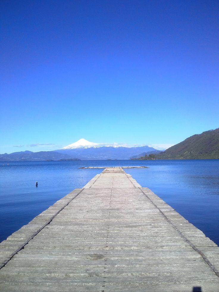 Calafquen, Lago Clafquen, Volcán Rucapillan (Villarrica), Chile