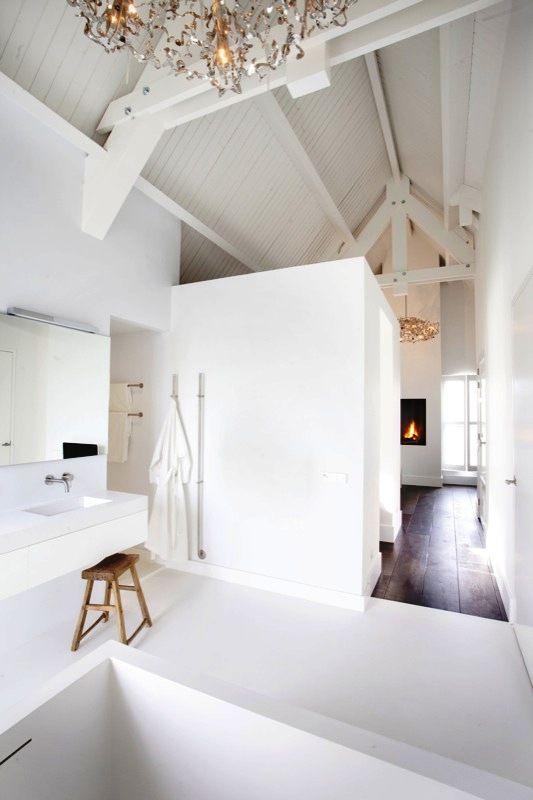 Luxury Bathroom ensuite -by SJARTEC BADKAMERS- with BrandvanEgmond chandelier and fireplace.