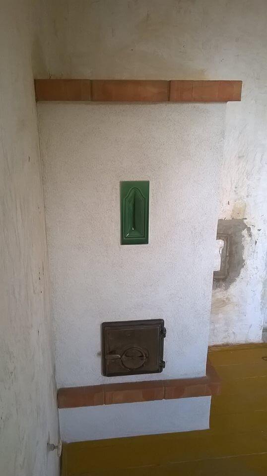 """Ez a """"kis"""" falazott kályha egy kislány 12 m2-es szobáját fogja fűteni. Kicsi, de nagyszerű; megfizethető áron."""