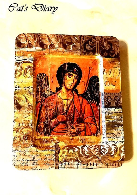 Saint Michael the Archangel, Antique image, Religious Icons, Christian Icons, Saints, handmade icon, christian icons, icons religious, gifts, saints icons, november finds This icon is a wort of art. I used decoupage technique combined with acrilic painting and than I varnished it. Its beautiful! Dimensions: 5.9 inches/4.7 inches