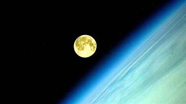 Astronauta tira fotos impressionantes da Super Lua