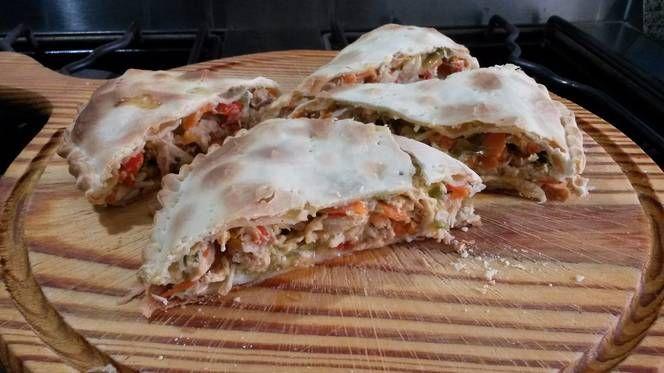 Empanada gigante de Pollo (reciclando alimentos que estaban en el freezer)
