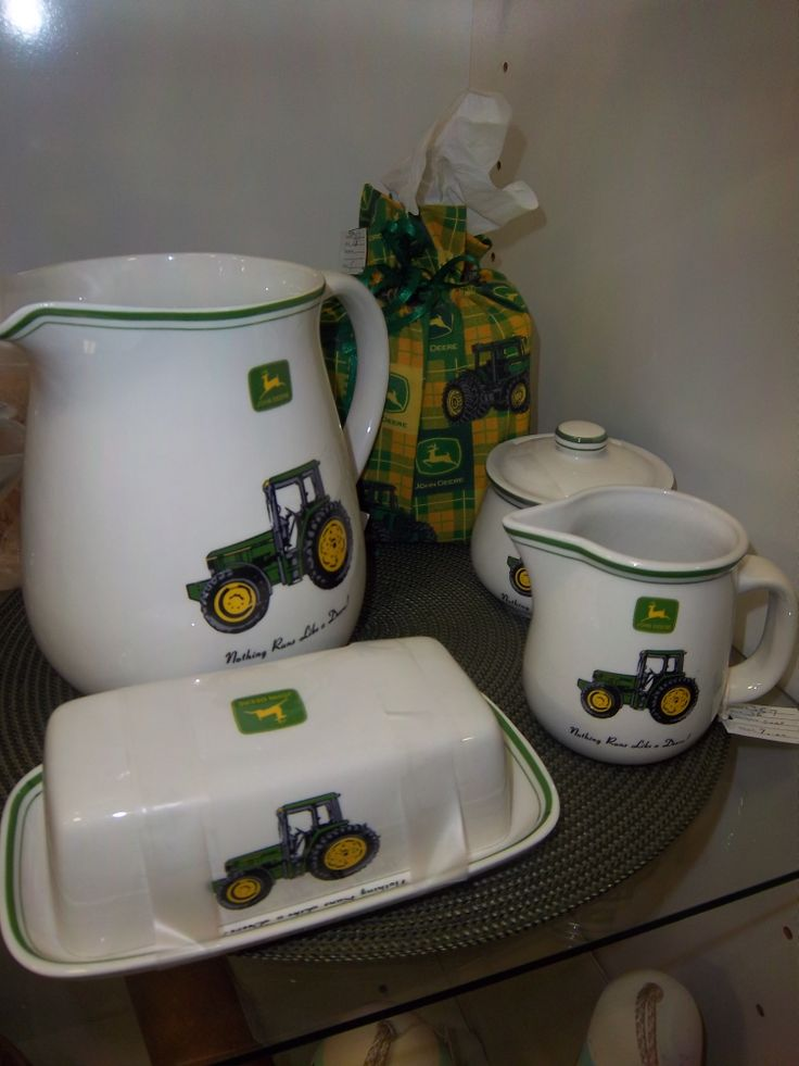 A John Deere kitchen set! Coming with cream and sugar, butter dish, pitcher and a cute bag!
