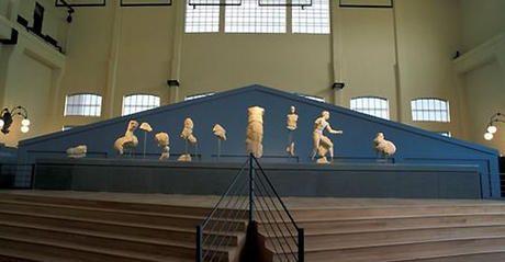 Frontone tempio Apollo Sosiano - Battaglia tra Greci e Amazzoni. Eracle e Teseo alla presenza di Atena e Nike. Sculture marmoree originali greci portati a Roma in età augustea. Sala macchine