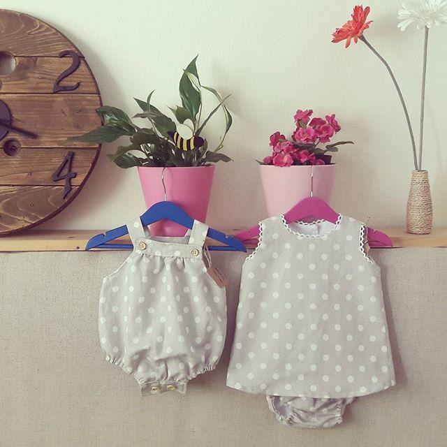 ¿Niño, niña o ambos? Pueden ir conjuntados By @scbarcelona.handmade  #SCBarcelona #barcelona #ropabebe #kidsfashion #couture #fetama #hechoamano #linen #lino #gemelos #mellizos