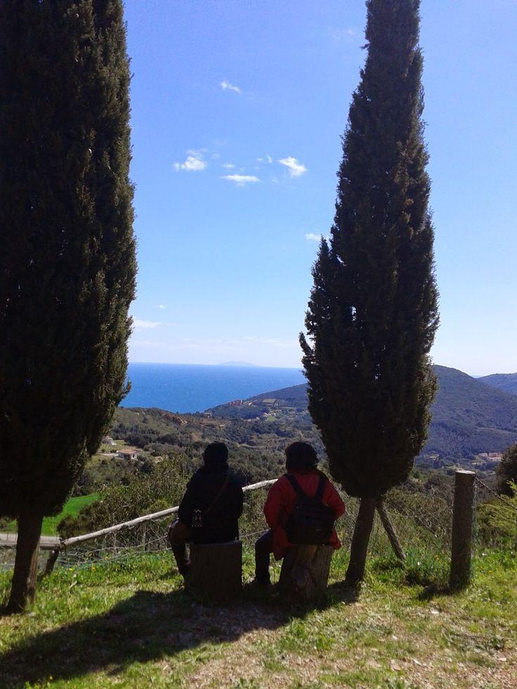 Momenti di relax all'Orto dei Semplici Elbano con vista panoramica sul mare 6 Aprile 2015