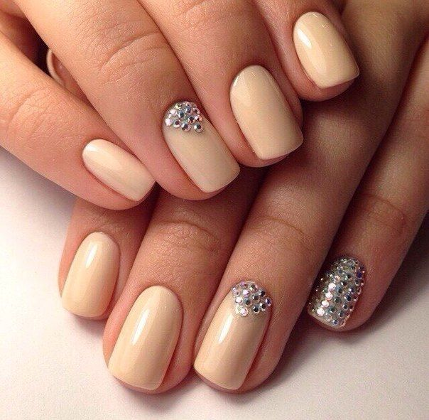 Beige dress nails, Cream color nails, Evening dress nails, Evening nails, Nails for spring and summer 2016, Nails of the peach color, Nails with rhinestones, Nails with stones