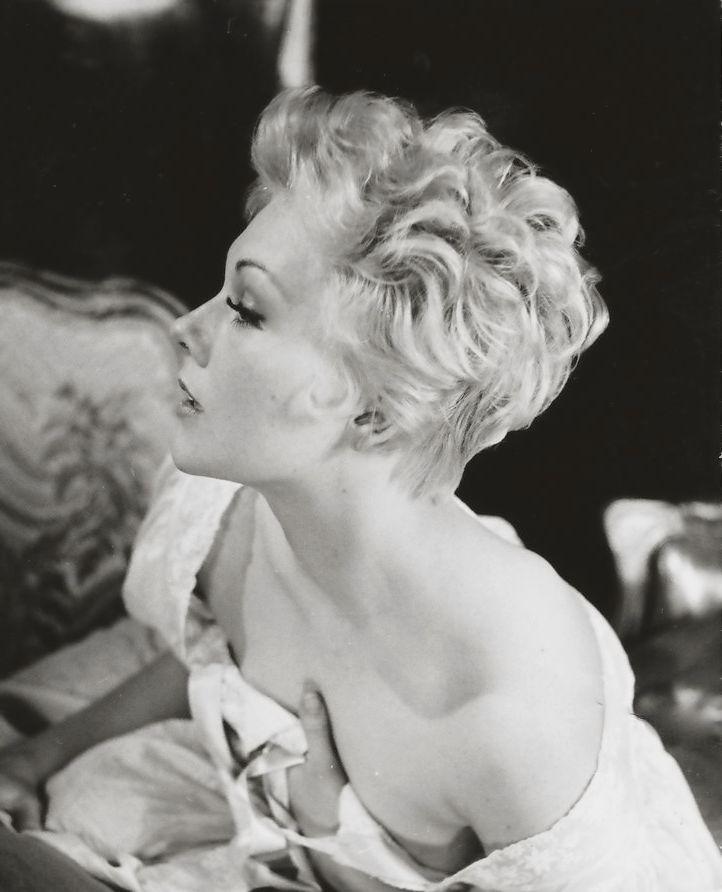Kim Novak (1957)